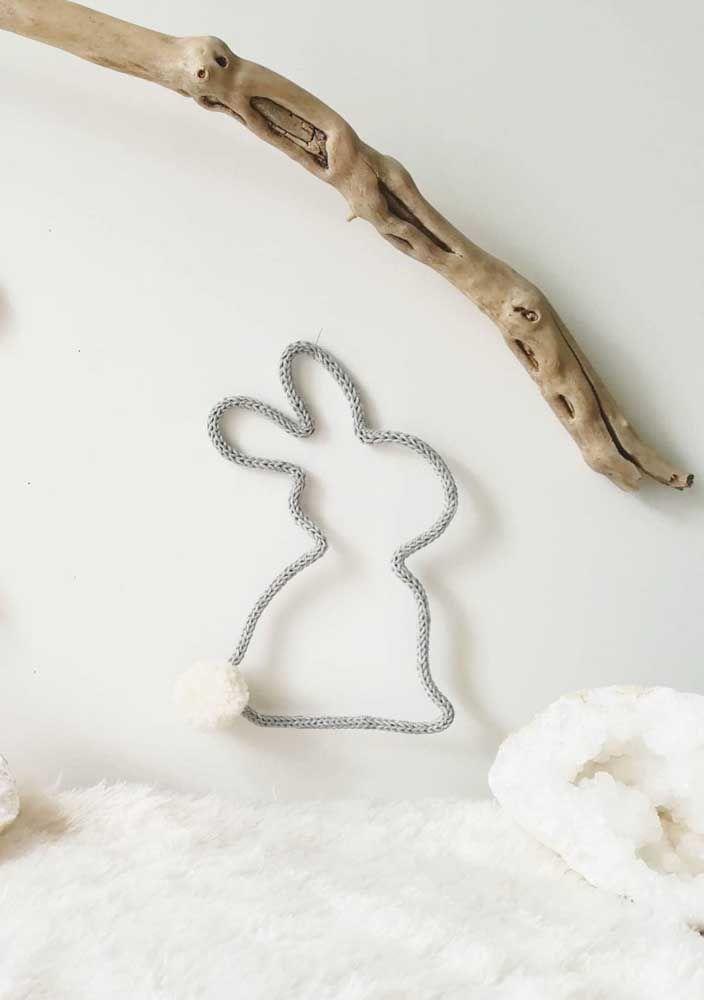 O coelhinho fofo de tricotin ganhou rabinho de pompom