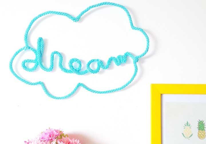 Sonhe alto e viaje na imaginação enquanto une os pontos do seu tricotin