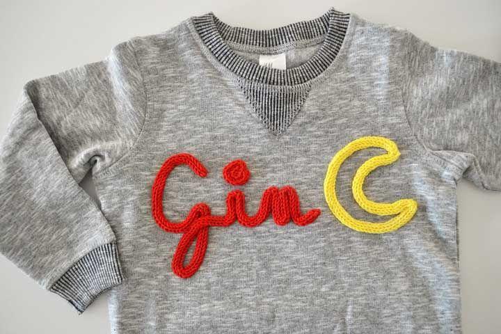 Dá para usar aplicações de tricotin na roupa também, olha só