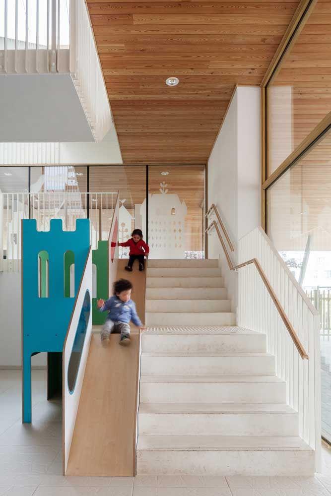 Escada escorregador; até os mais crescidinhos vão querer se jogar nessa ideia