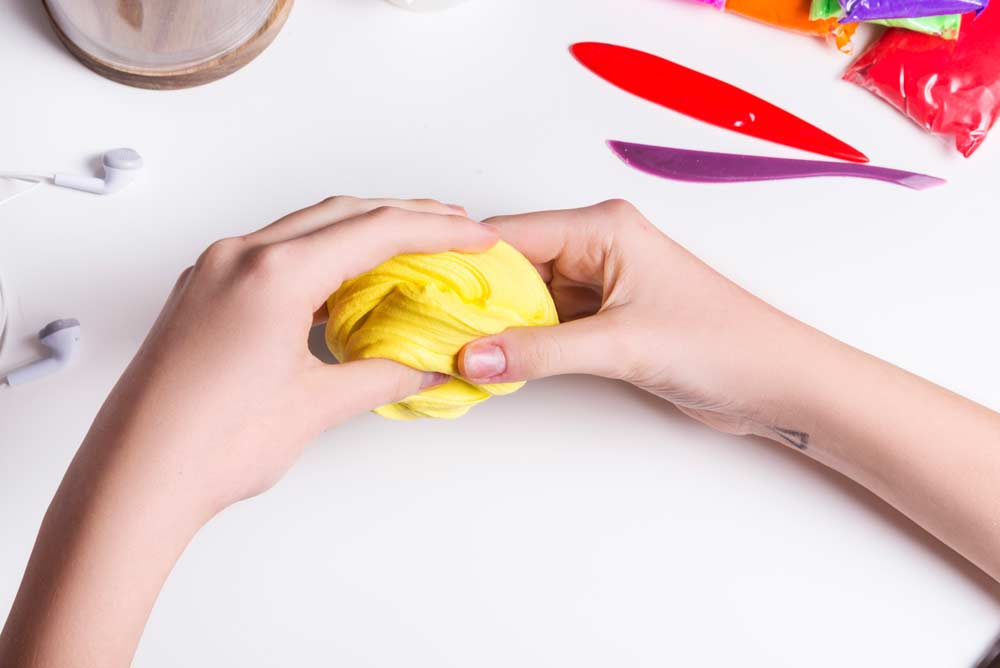 Como fazer slime: 9 receitas e maneiras para você tentar