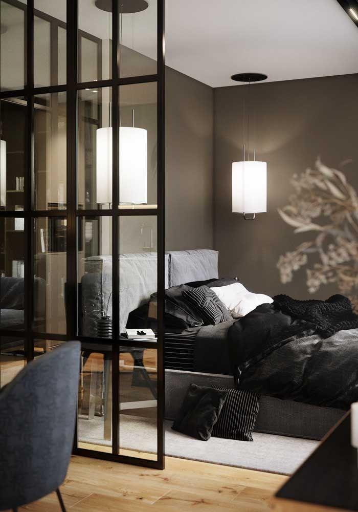 O charme e a sofisticação do preto entram nesse quarto pela roupa de cama