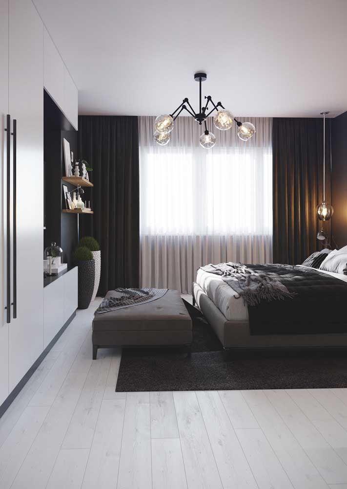Toques de preto para garantir sofisticação a decor; já o branco vem para iluminar, expandir e acolher