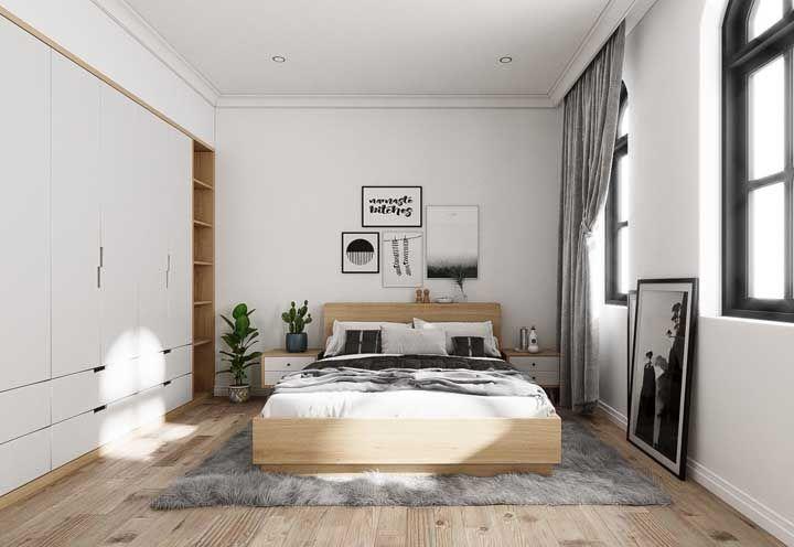 Para os que buscam por uma inspiração de quarto de casal clean, esse quarto é uma ótima pedida!