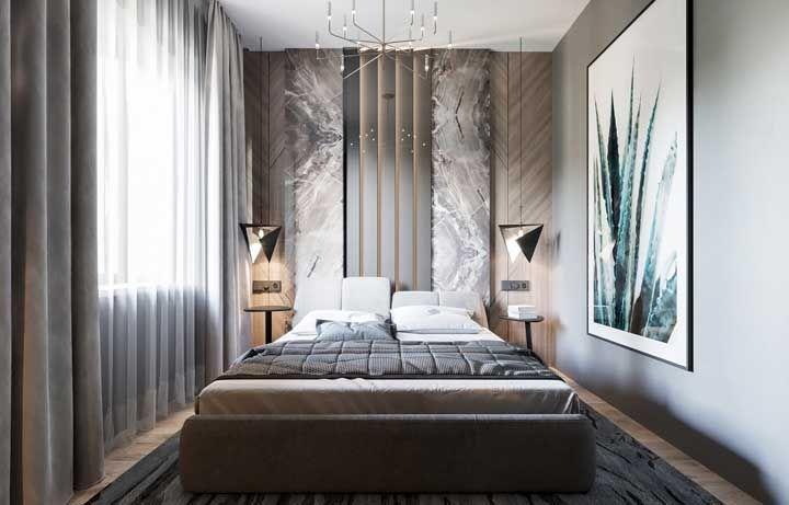 Já o quarto menor não precisa ser menos decorado só porque não tem tanto espaço, pelo contrário, use as paredes para trazer os elementos decorativos que deseja