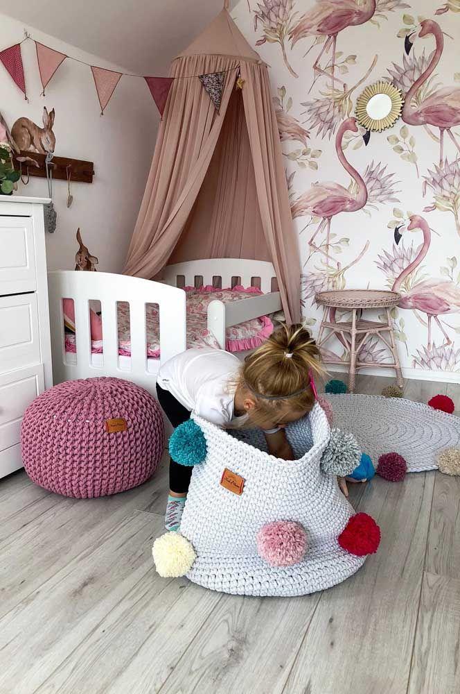 Conjunto de crochê: tapete, cesto e pufe