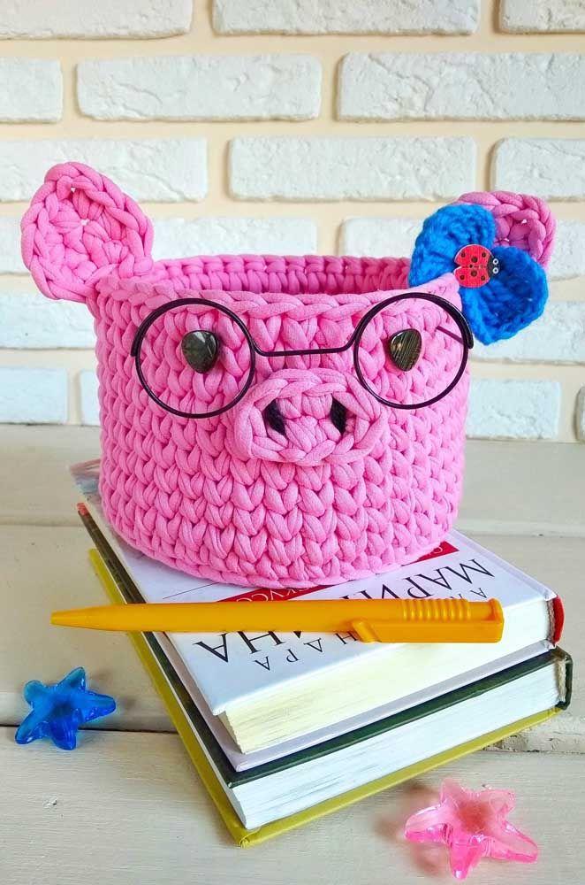 Roinc roinc! Vai uma porquinha de crochê aí para ajudar na organização?