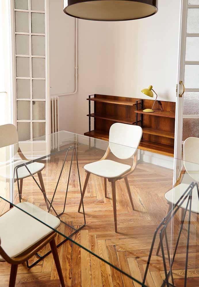 O piso de madeira acolhe, valoriza e conforta o ambiente
