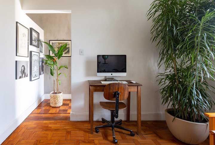 Se você deseja unir o rústico com o retrô então não deixe de ter um piso de madeira na sua casa