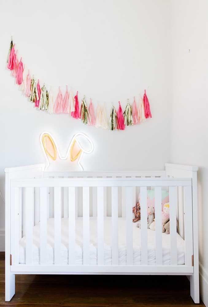 Você pode usar as luzes de neon para fazer uma linda decoração no quarto do bebê