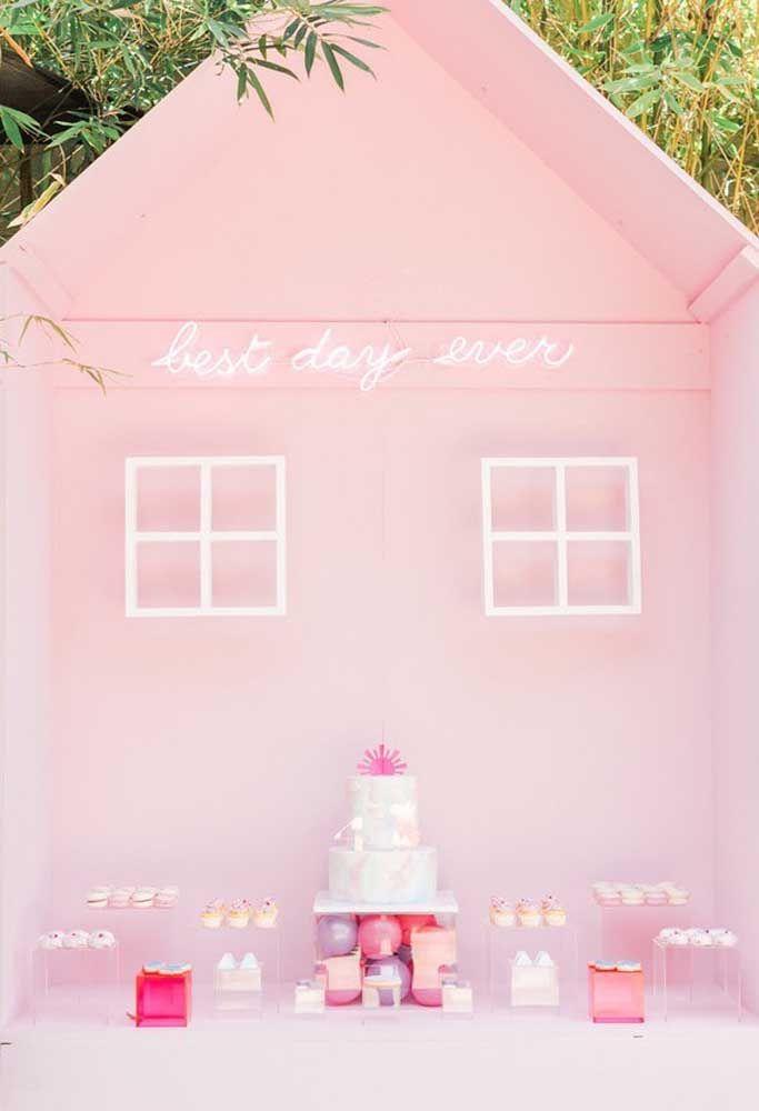 A casinha de boneca também precisa ser iluminada