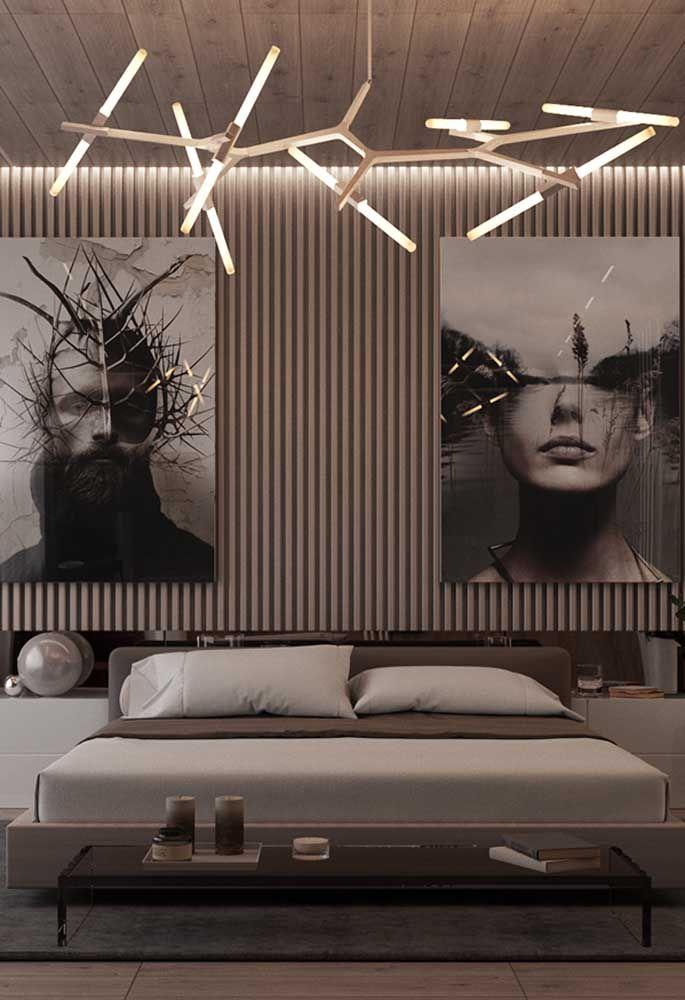 Se você não quer exagerar na hora de fazer uma decoração com neon, pode apenas usá-lo em uma luminária no teto. O detalhe fica por conta do design diferenciado da luminária