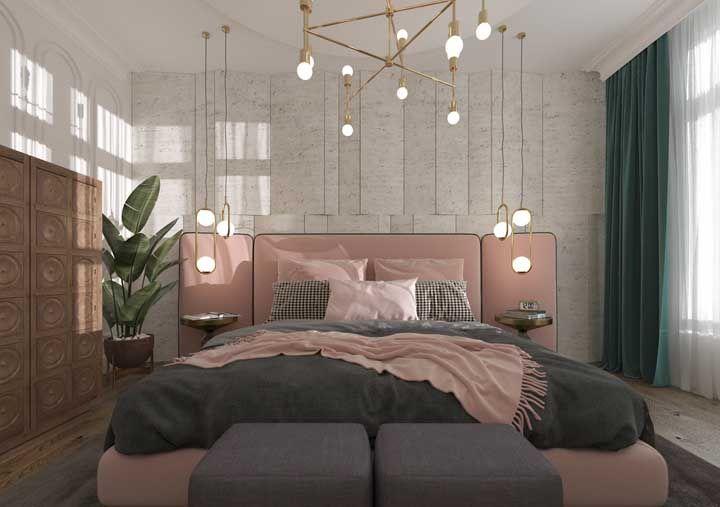 Luminárias de teto dourada para garantir o toque de elegância ao quarto de decoração romântica