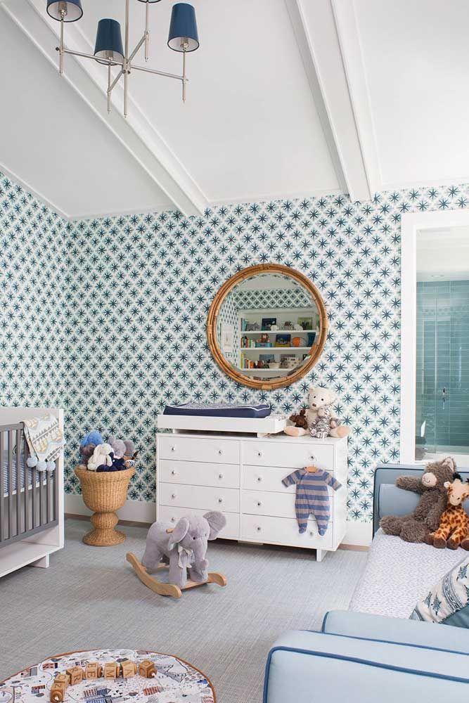 Como fazer uma decoração de quarto de bebê menino usando azul e sem ser clichê? Essa imagem mostra a solução