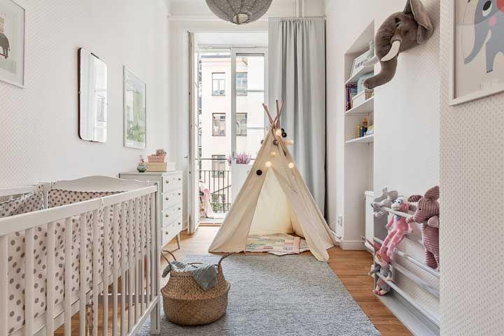 A cabaninha iluminada confere aquele ar infantil que todo quarto de bebê deve ter