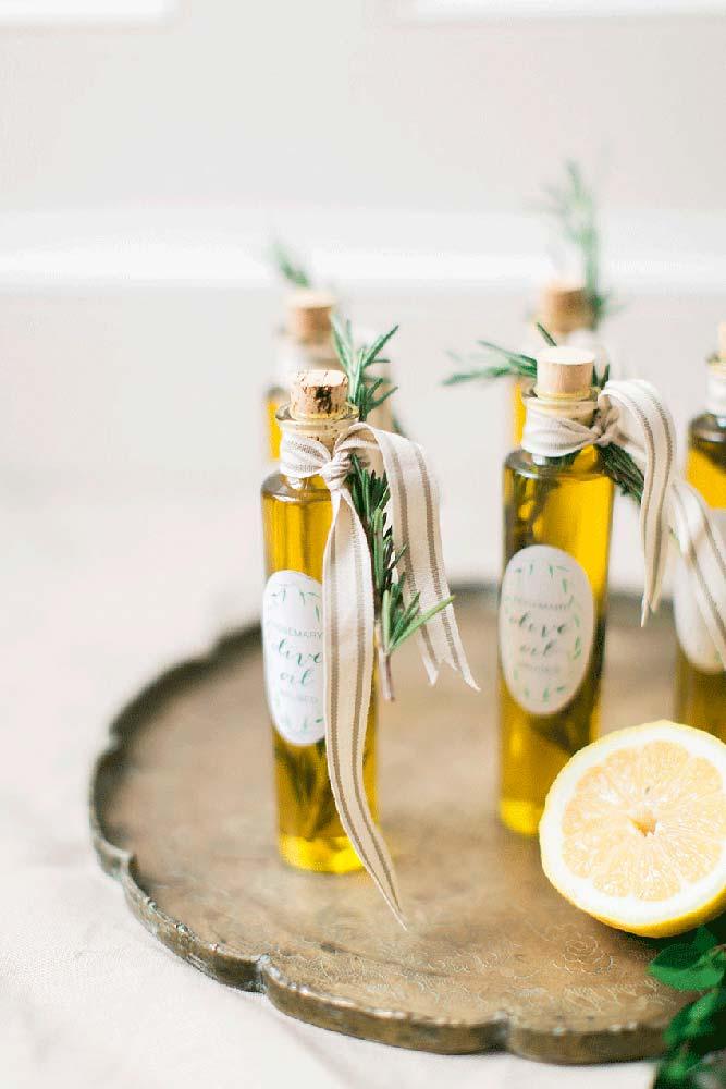 Quer algo mais elaborado? Que tal um azeite de ervas aromáticas?