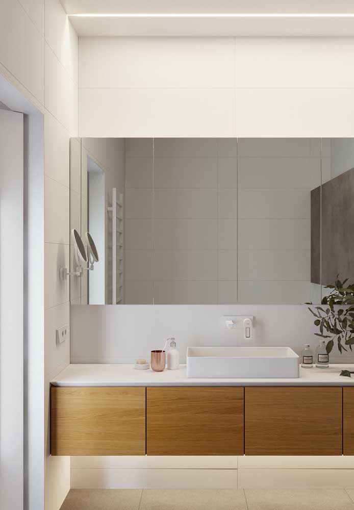 Modelo metálico de parede para o banheiro clean
