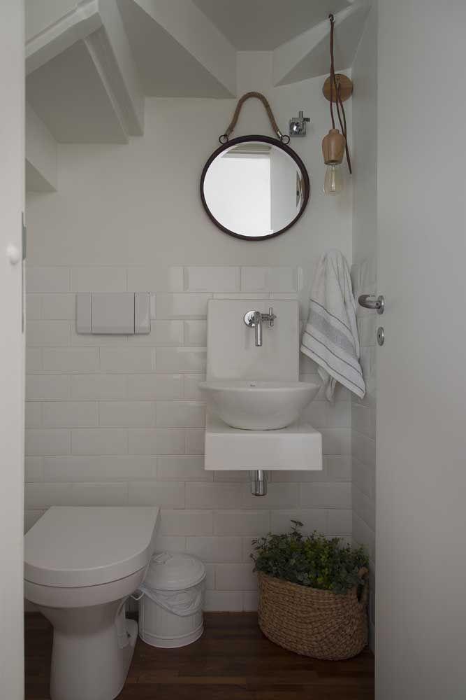 Um modelo simples de torneira para o banheiro de estilo retrô