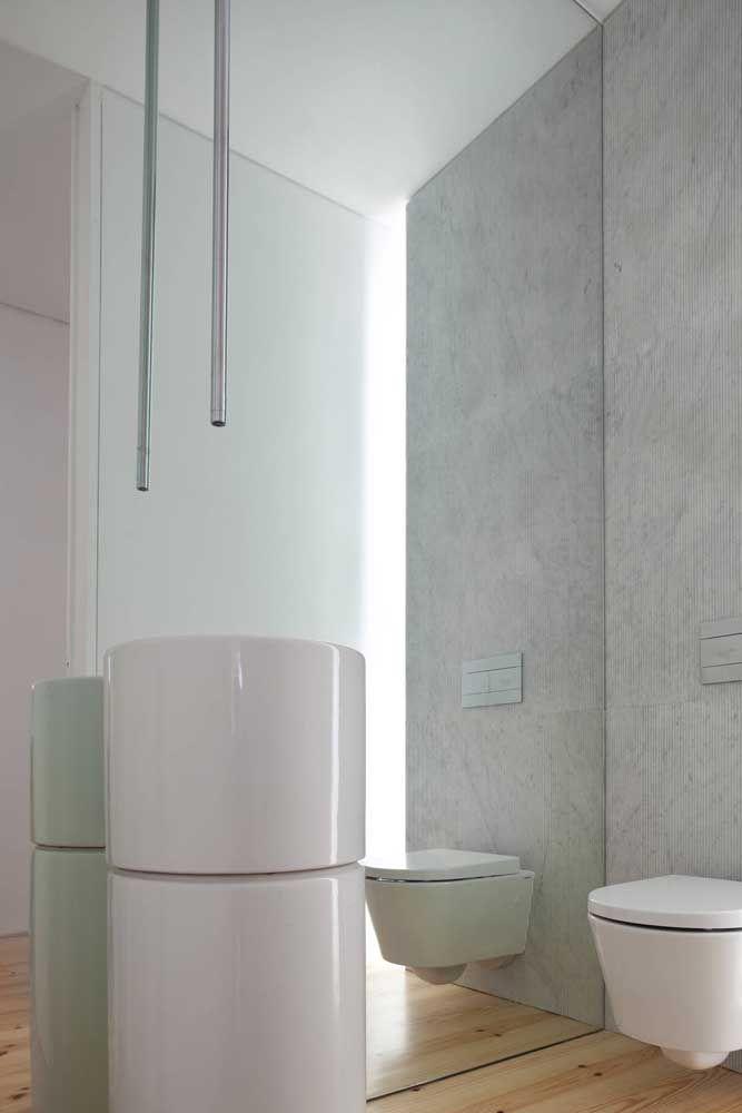 Lembre-se que o lavatório precisa acompanhar o design das torneiras de teto