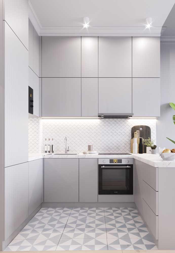 Quem disse que cozinha branca é sem graça?