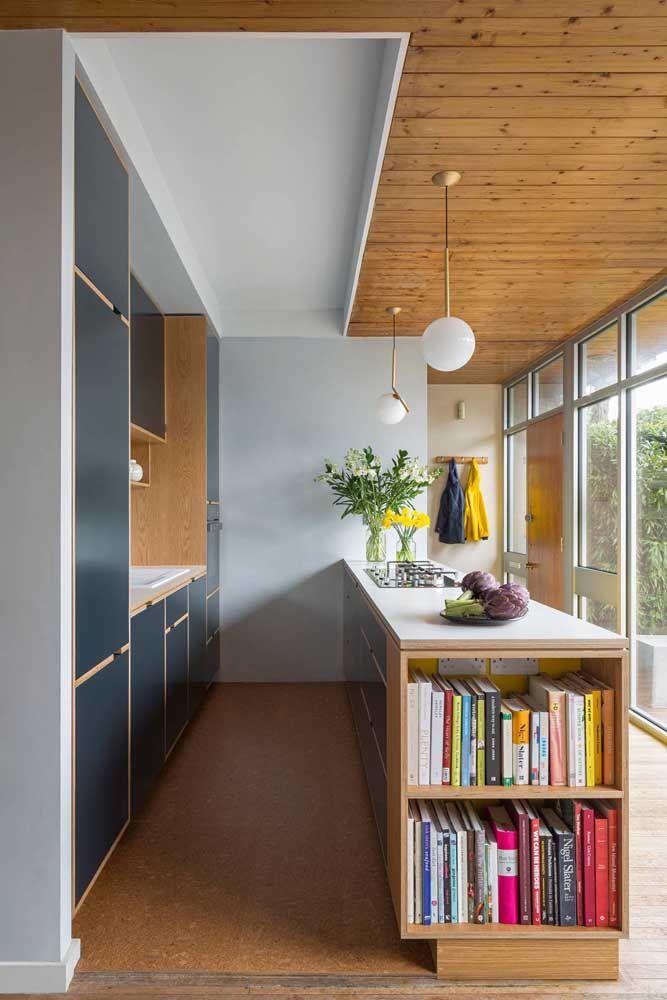 Com espaço para os livros de culinária