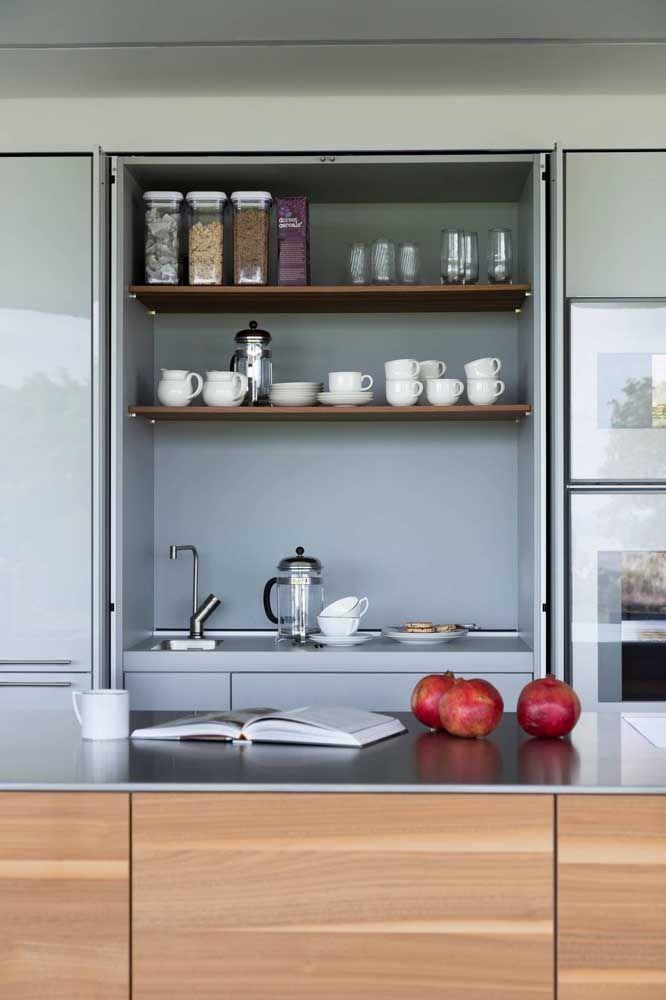 E o que acha de um cantinho do café na cozinha planejada? Também é possível