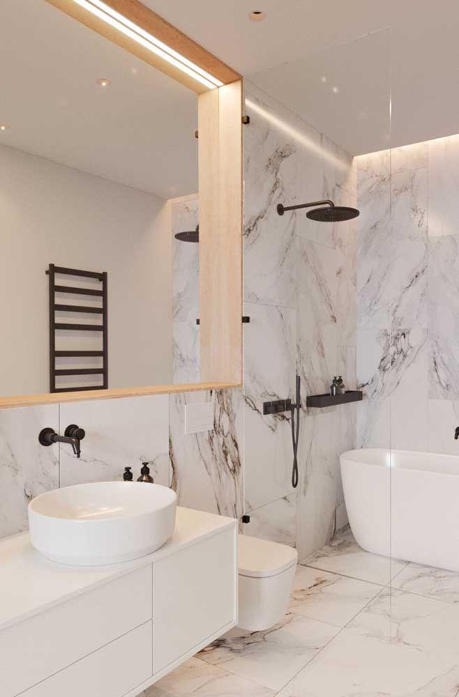 As fitas de LED são ótimas para serem instaladas junto ao espelho do banheiro