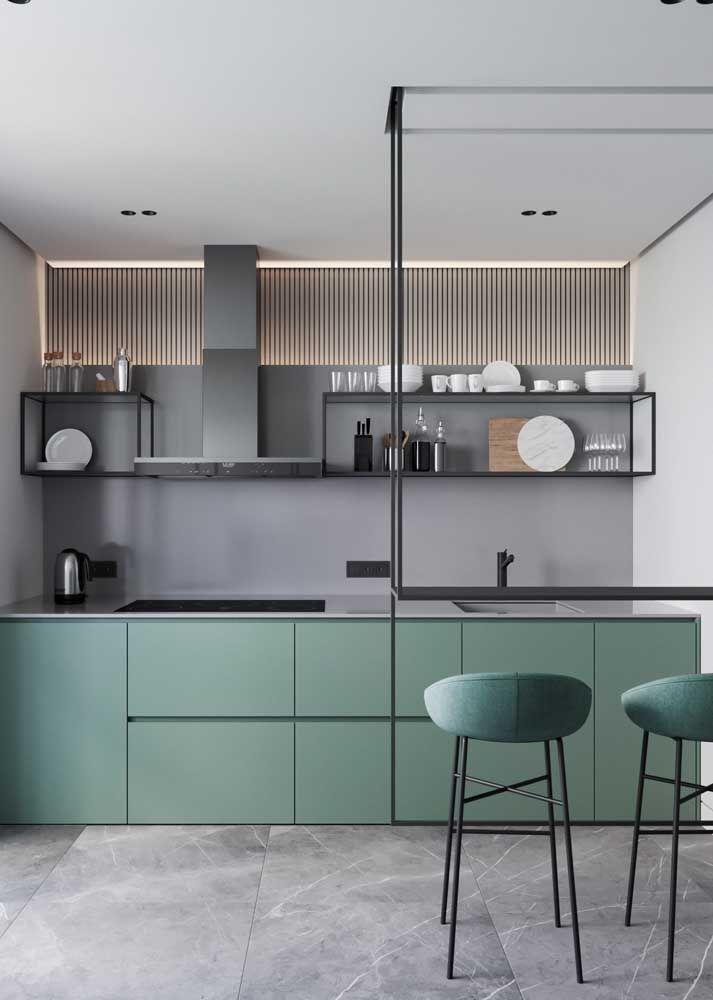 Fuja do comum usando verde na decoração da cozinha moderna