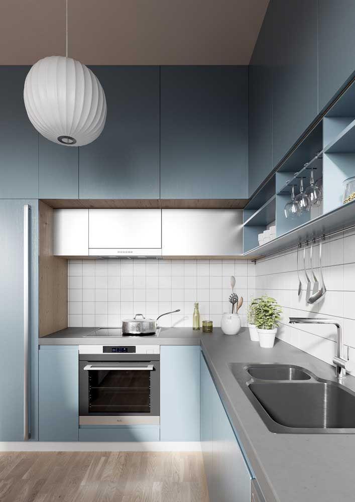 Já que é para ser funcional, use nichos para organizar e decorar sua cozinha ao mesmo tempo