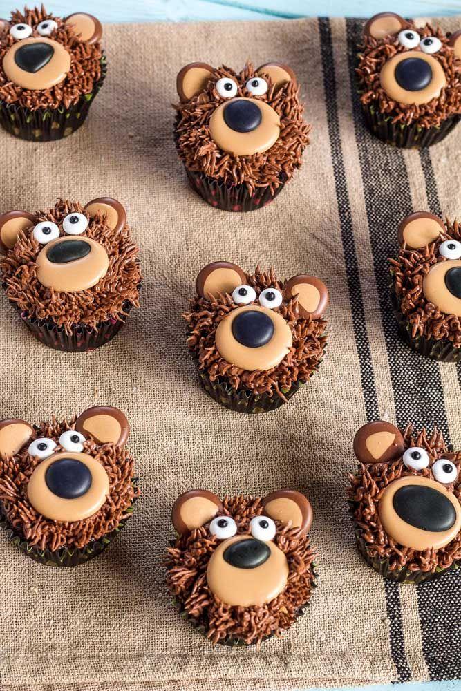 Os cupcakes ficam ainda mais fofos com a carinha do urso