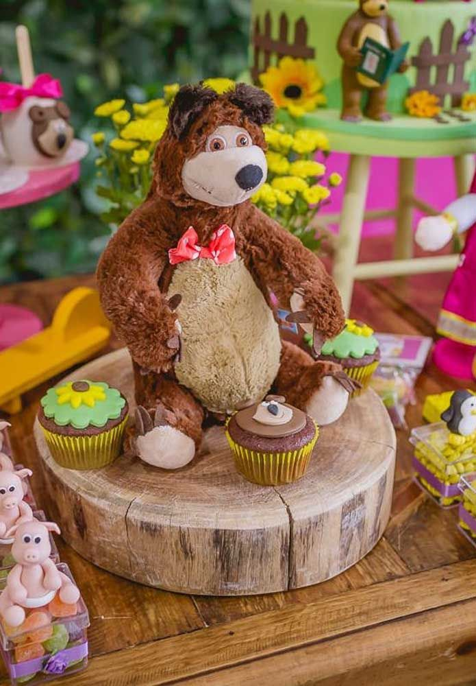 Olha que urso lindo para decorar a mesa