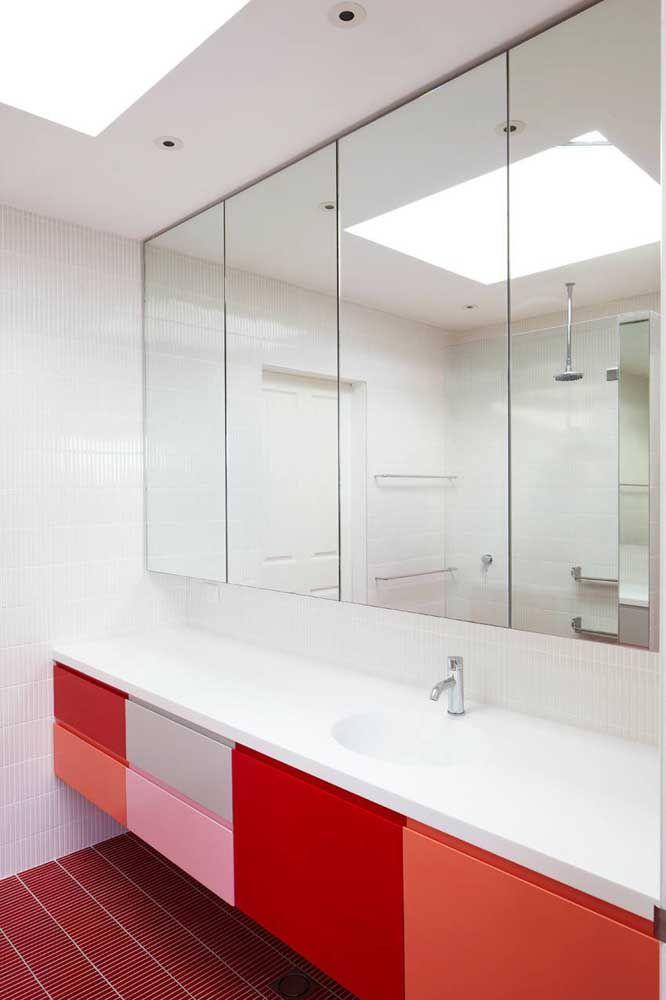 Vários tons de vermelho no mesmo armário