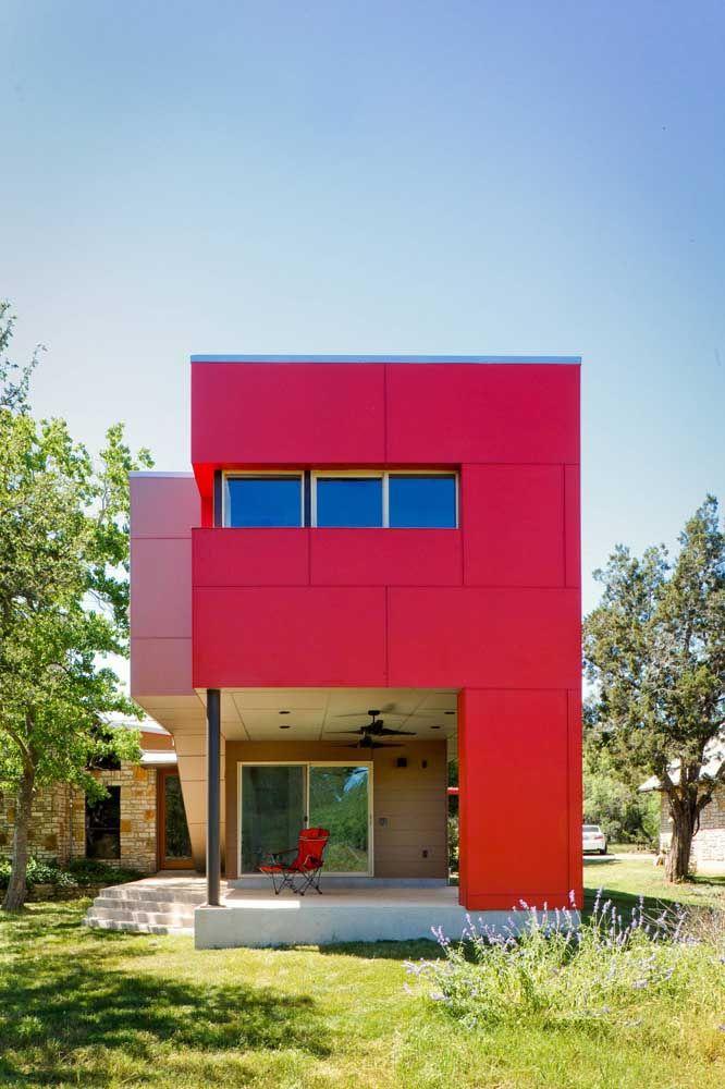 E se você ama muito vermelho pode usar a cor na fachada da casa