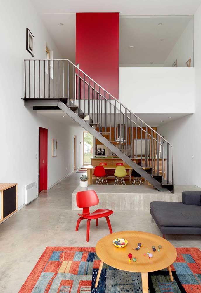 Pinceladas de vermelho pelos ambientes da casa