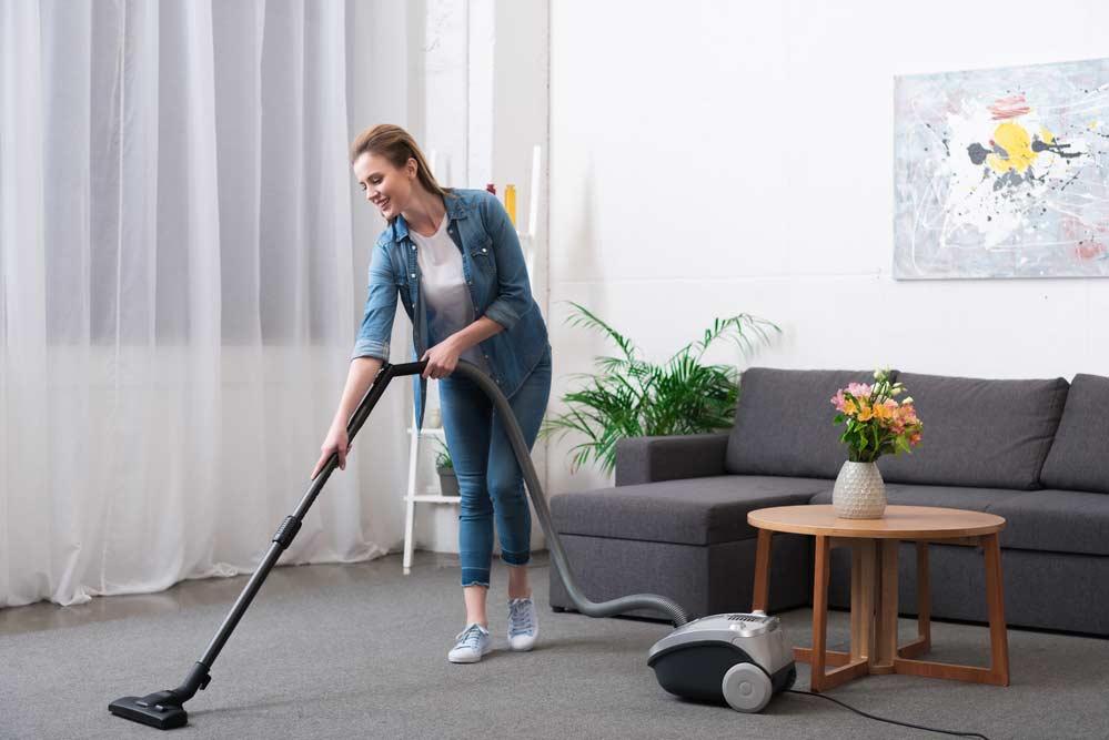 Limpeza de casa na sala