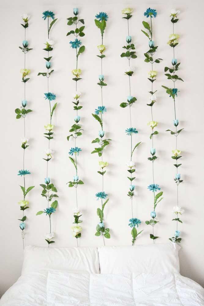 Os vasos menores ficam lindos quando recebem flores abertas e mais robustas