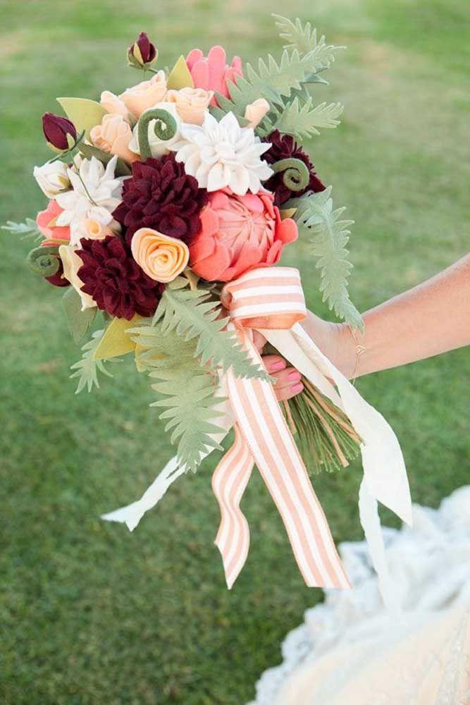 Arranjo artificial de flor de lótus, uma maneira de trazer essa beleza rara para dentro de casa