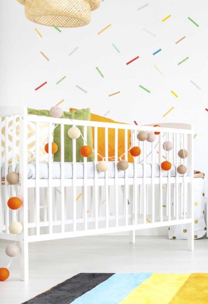 Aposte em uma decoração colorida para deixar o ambiente mais alegre e divertido.