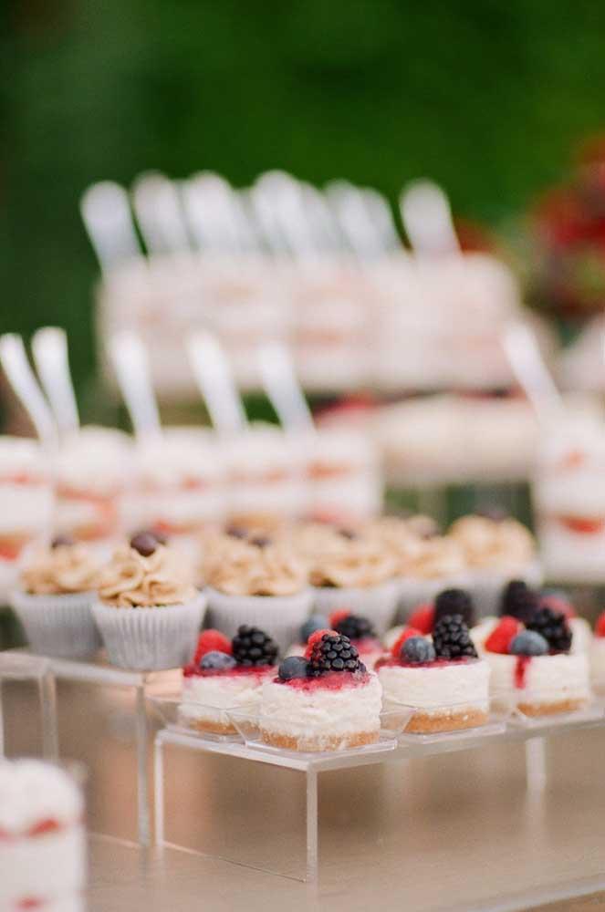 Apresentação visual dos doces faz toda a diferença na mesa de guloseimas