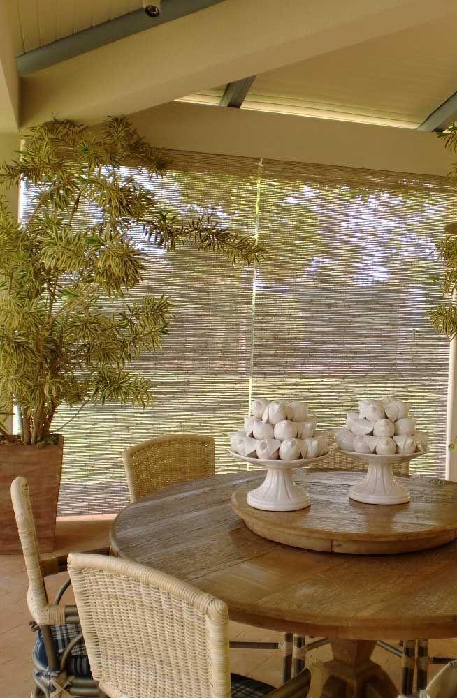 A área externa parece ter sido feita para a cortina de bambu