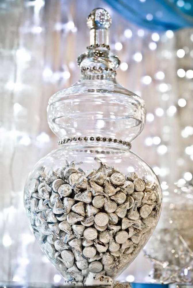 Gotas de prata com sabor de chocolate