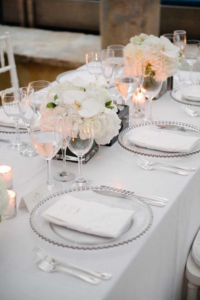 Branco e prata: uma combinação clean, leve e elegante