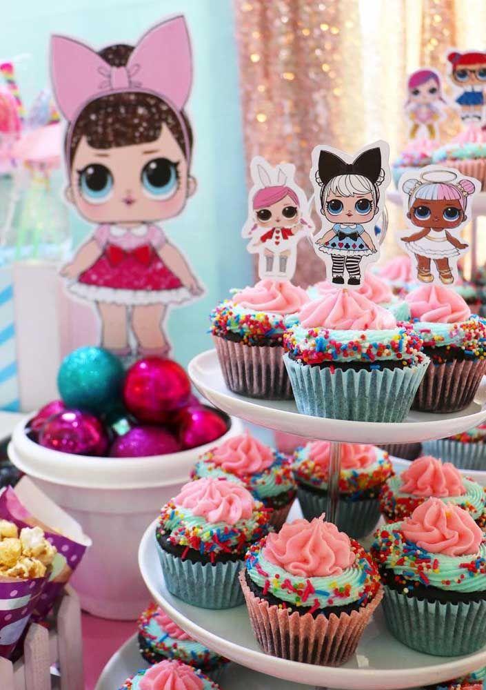 Cupcakes bem coloridos do jeito que a criançada gosta
