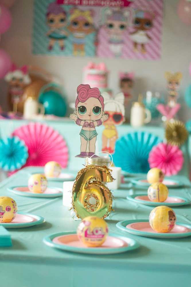Nessa festinha, as LOL decoram cada pratinho