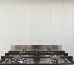 Conceito limpeza de fogão de inox