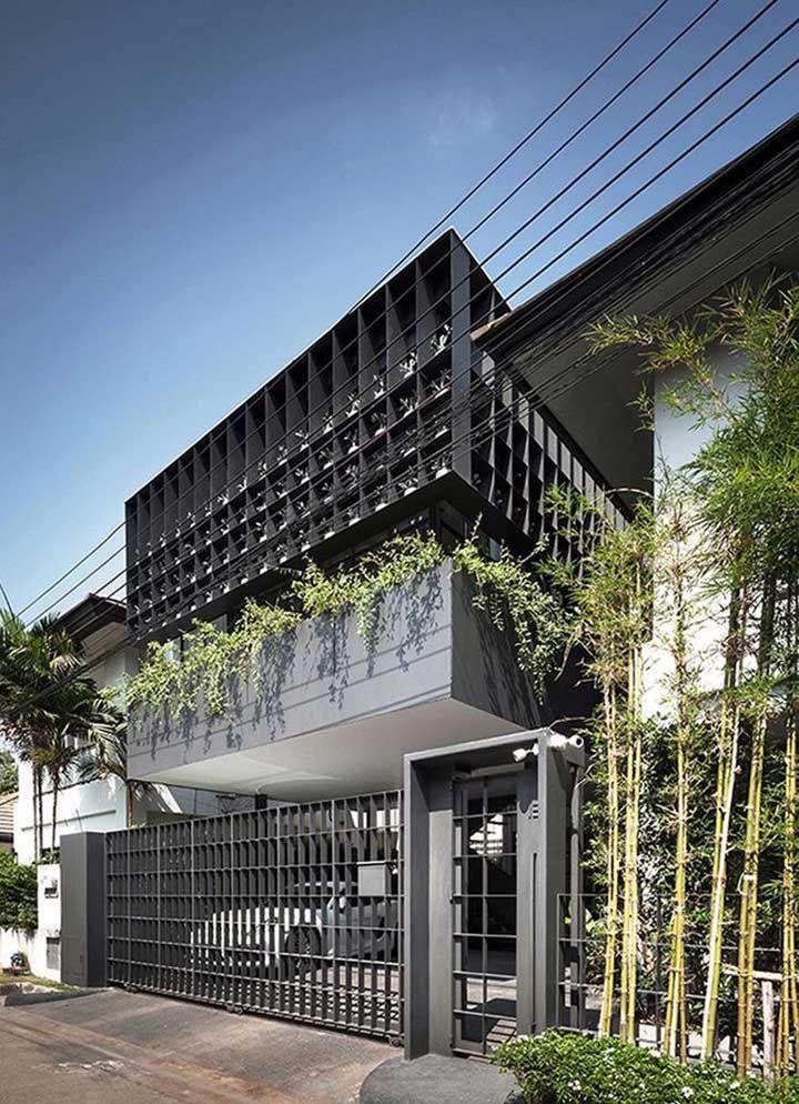 Fachada de metal cinza para expor modernidade