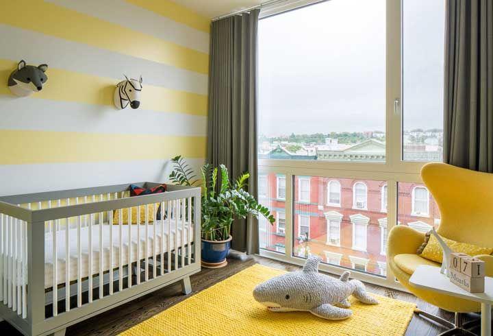 Amarelo e luz natural: uma bela combinação para o quarto do bebê