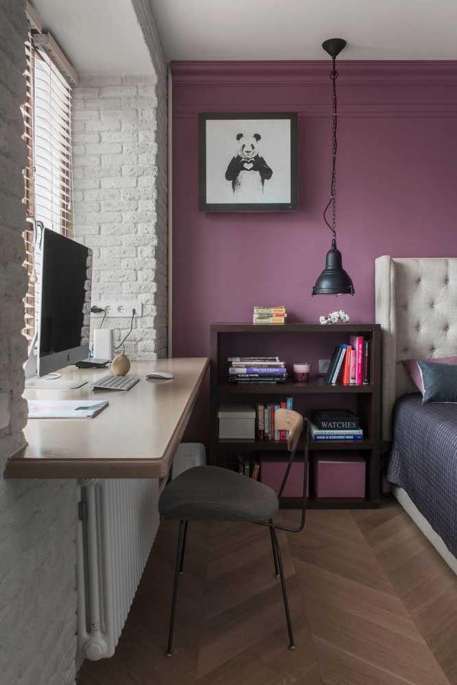 O tom mais fechado de rosa, próximo ao roxo, traz acolhimento na medida certa para o quarto