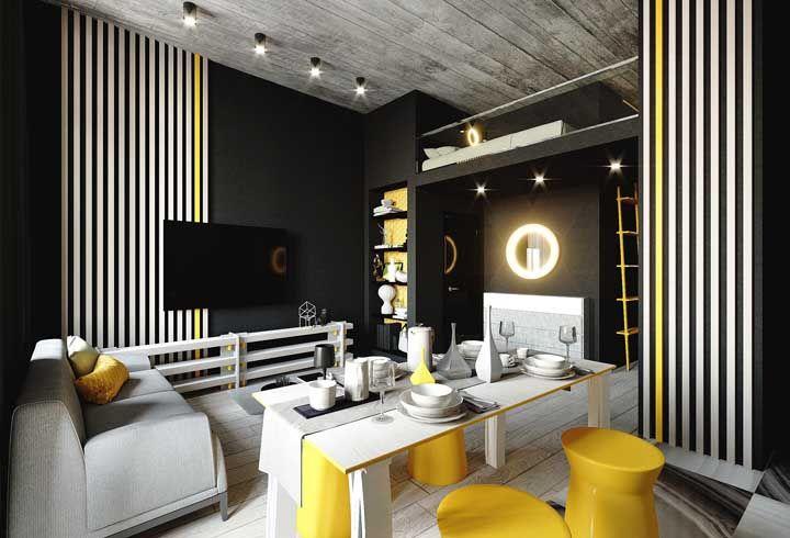 O apartamento de cores marcantes apostou em um mezanino para o momento de dormir e relaxar