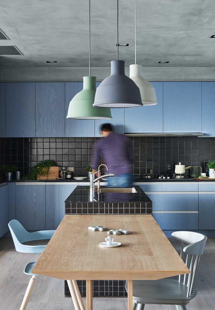 Azul e cinza, uma combinação fria, mas na proporção certa deixa o ambiente harmonioso